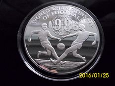 "Jamaica - 100 Dollars 1976 ""World Championship of Football"" - silver"
