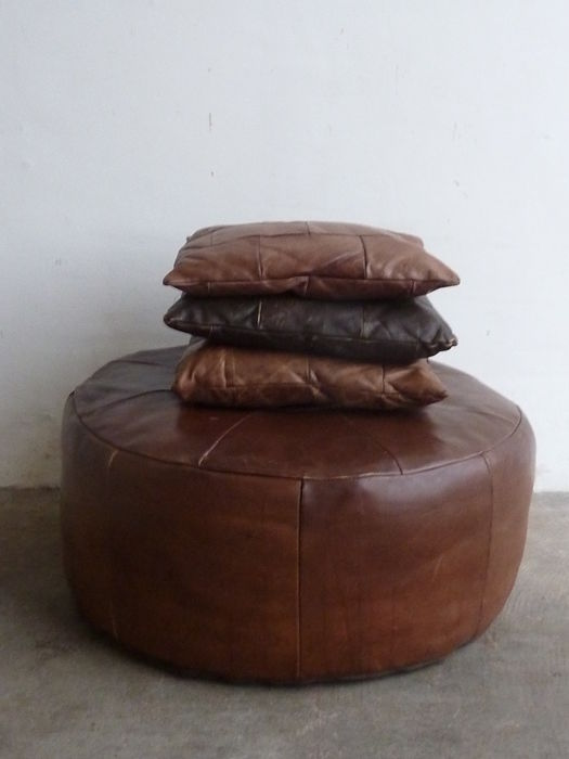 Leather pouf and three pads catawiki - Rechthoekige lederen pouf ...