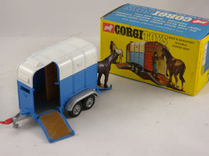 corgi toys schaal 1 43 rice 39 s beaufort double horse. Black Bedroom Furniture Sets. Home Design Ideas
