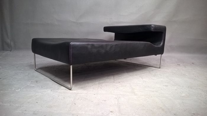 Patricia urquiola for moroso low seat chaise longue catawiki for Antibodi chaise longue by patricia urquiola