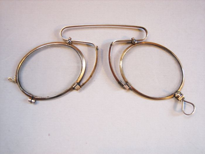how to wear pince nez glasses