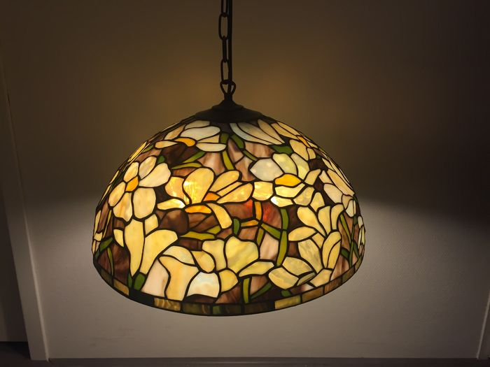 large tiffany style hanging lamp tiffany glass catawiki. Black Bedroom Furniture Sets. Home Design Ideas