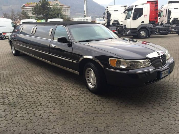 lincoln town car limousine 1998 catawiki. Black Bedroom Furniture Sets. Home Design Ideas