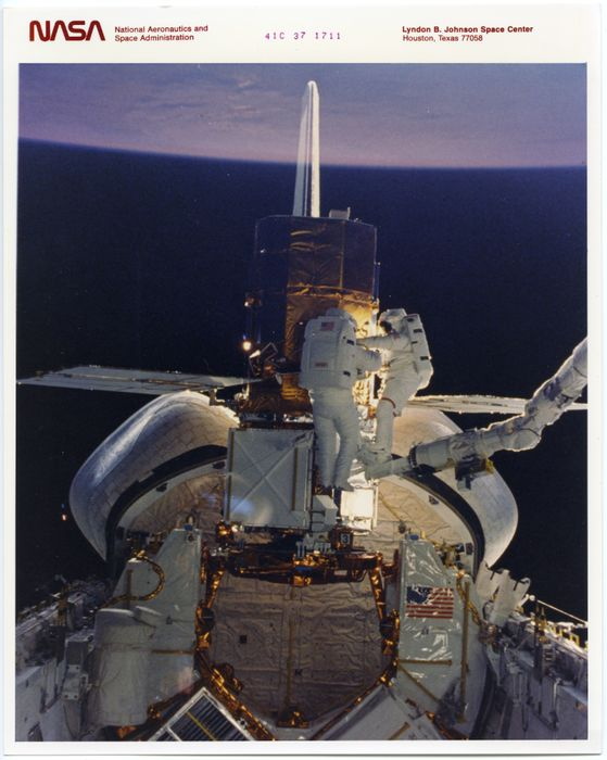 a space shuttle astronaut in a circular orbit - photo #33
