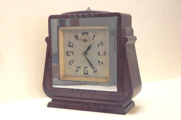 Blangy art deco alarm clock in chrome and bakelite Art deco alarm clocks