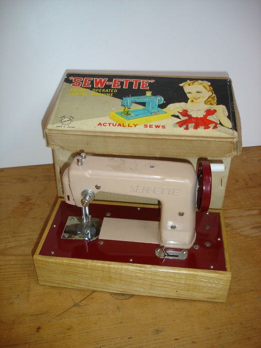 Machine coudre sew ette pour enfants toyland made in for Machine a coudre 1950