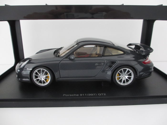 autoart schaal 1 18 porsche 911 997 gt2. Black Bedroom Furniture Sets. Home Design Ideas