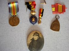 Lot of 4 Belgian medals WWI and WWII