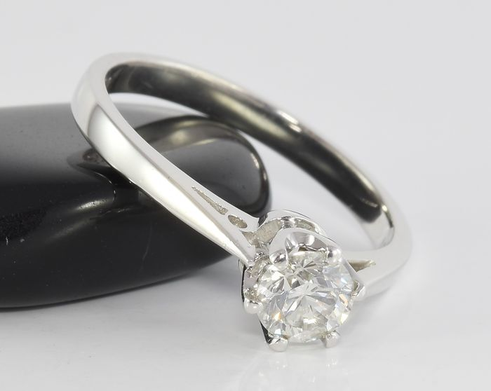 0 50 ct solitaire ring in 18 kt white gold no