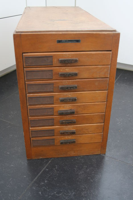 Oakwood furniture drawer chest Catawiki