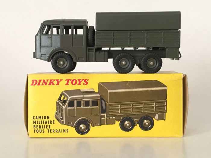 dinky toys france schaal 1 48 camion militaire berliet tous terrains. Black Bedroom Furniture Sets. Home Design Ideas