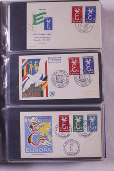 Europa Stamps 1956/1973 - Collection +/- 335 FDCs in 2 albums