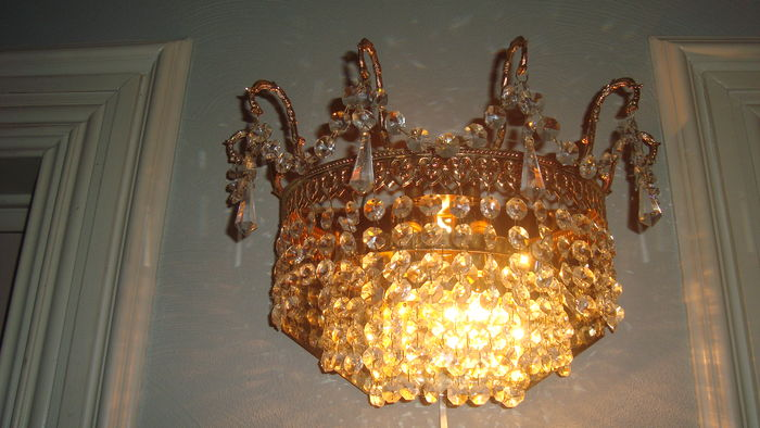 Czech Crystal Wall Lights : 2 Brass / Crystal wall lights (Bohemia) - Catawiki