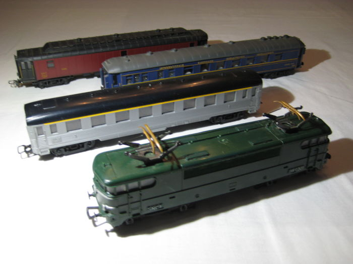 jouef hornby h0 passenger carriage locomotive bb 9201 of the sncf catawiki. Black Bedroom Furniture Sets. Home Design Ideas