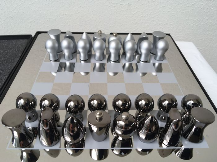 Silver Color Metal Jali Pattern : Silver colored metal design chess game catawiki