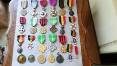 Lot with Belgian decorations - WWI and WWII