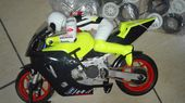Bekijk onze Kyosho - 1/10 scale - Honda Valentino Rossi R/C with combustion engine