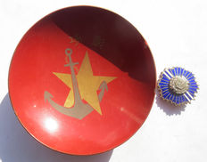 Japanese military sake cup imperial army and navy; sake cup with medal/pin.