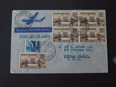 Italian Republic 1950 - 12 letters and 1 card with several postage to be sent abroad