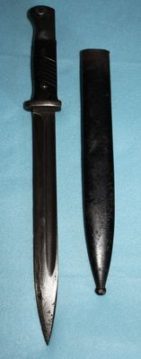 K 98 Bayonet, Germany, with sheath, all original, numbered, in good condition bakelite handle W.A.A. stamp - WW2