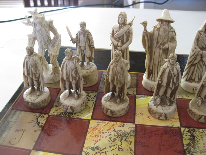 The Lord Of The Rings The Two Towers Chess Set Catawiki