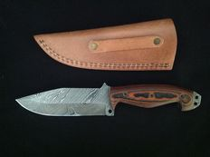 Dagger with Damascus blade