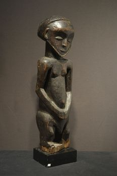 A fine HEMBA KUSU male figure - Democratic Republic of the Congo
