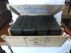 Kit of 4 ammunition cases with original wooden box