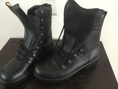 Army boots - army size 285(44) new