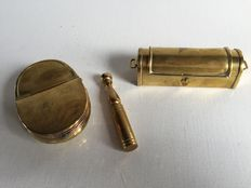 Lot of three objects in brass, two snuffboxes and one skittle popular art FRANCE