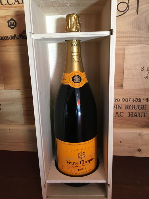 champagne veuve clicquot ponsardin brut 1 jeroboam 3 liter. Black Bedroom Furniture Sets. Home Design Ideas
