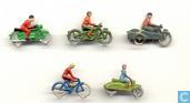 Radfahrer und Motorradfahrer