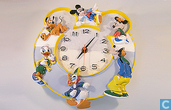 Wandklok met Mickey Mouse Donald Duck Pluto Goofy Minnie mouse Katrien Disney
