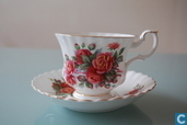Centennial Rose - Kaffeetasse mit Untertasse