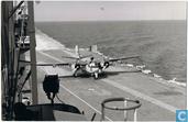 Grumman S-2A Tracker geland op de Karel Doorman