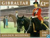 Postzegels - Gibraltar - Koningin Elizabeth II - Huwelijksjubileum