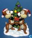Nibble & Chat avec l'arbre de Noël