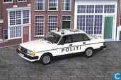 Model cars - Minichamps - Volvo 240 Politi (Denemarken)