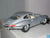 Model cars - Bburago - Jaguar E-type