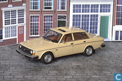 Modellautos - Neo Scale Models - Volvo 244 DL