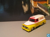 Modelauto's  - Johnny Lightning - Ford Panel Van 'Coca Cola'