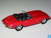 Voitures miniatures - Universal Hobbies - Jaguar E-type