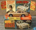 "Aston Martin DB5 ""James Bond 007"" (gold)"