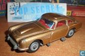 "Aston Martin DB5 ""James Bond 007"" (gold)"
