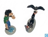 Gaston avec son chat et sa mouette