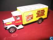 Modelauto's  - Matchbox Int'l Ltd. - Mercedes-Benz LS 'Coca-Cola'