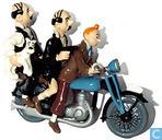 Dupondt Tintin et sur la moto