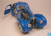Modelauto's  - Bburago - Bugatti Atlantic