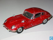 Voitures miniatures - Corgi - Jaguar E-type 4.2 (red, spoked wheels)