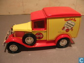 Modelauto's  - Matchbox Int'l Ltd. - Ford Model-A Van 'Coca-Cola'
